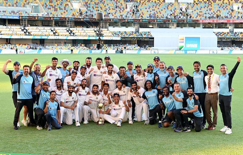 Team India with Border-Gavaskar trophy