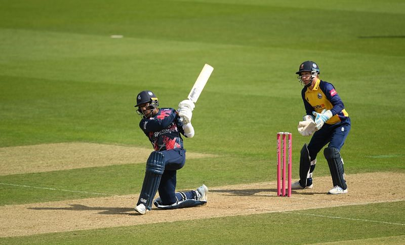 Daniel Bell-Drummond hits out in the Vitality Blast 2020. Image courtesy Getty Images.