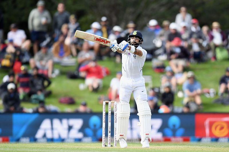 विराट कोहली न्यूजीलैंड के खिलाफ बैटिंग करते हुए