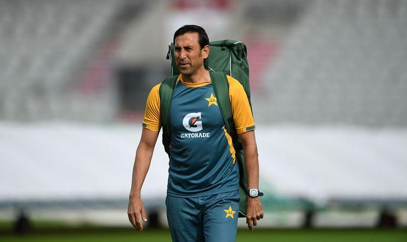Younis Khan has stepped down as Pakistan's batting coach.