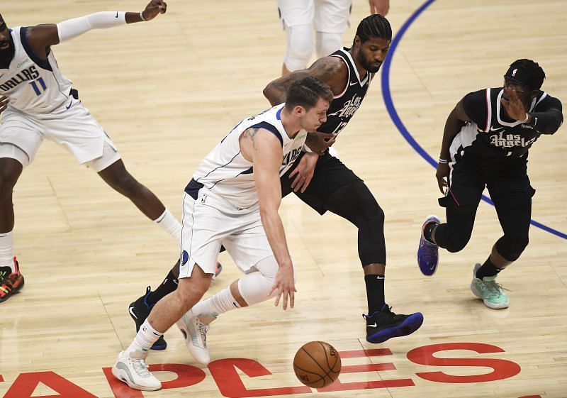 Luka Doncic (#77) of the Dallas Mavericks in action