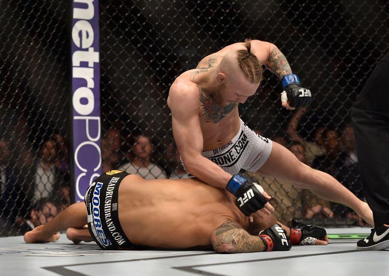 Conor McGregor finishes Dustin Poirier at UFC 178