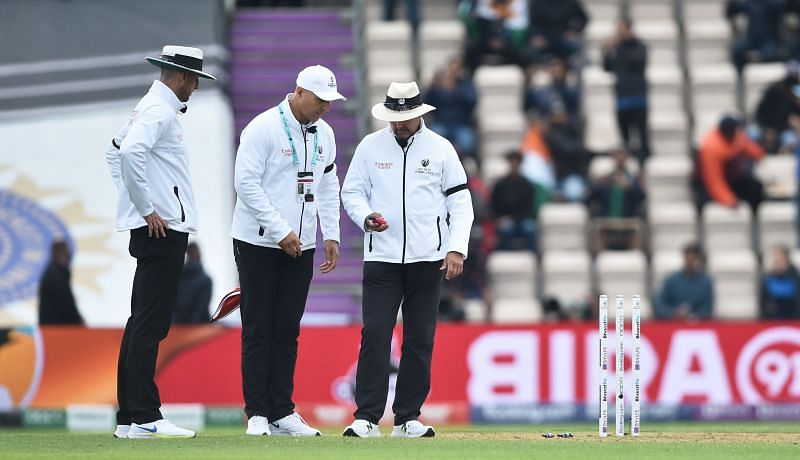 WTC final: Bad light in cricket - what is the device umpires use?