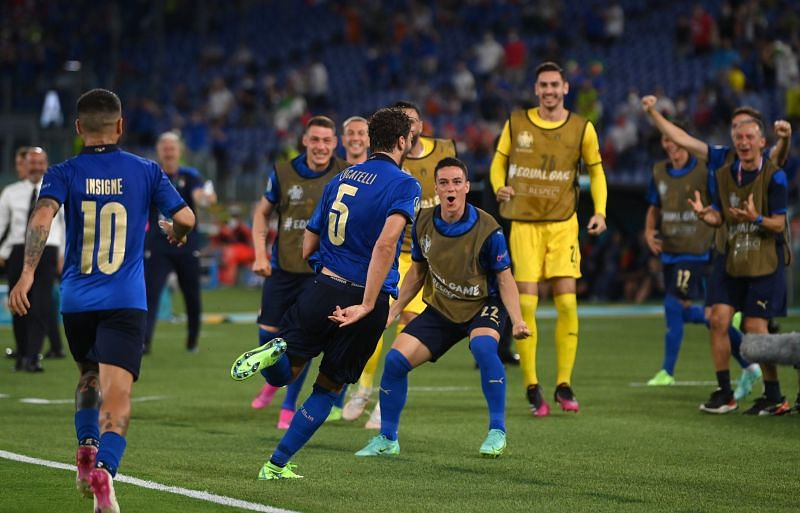 Italy beat Switzerland 3-0 to reach the last 16.
