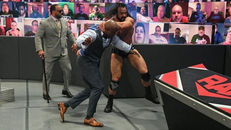 Bobby Lashley might get the better of Drew McIntyre in their next match