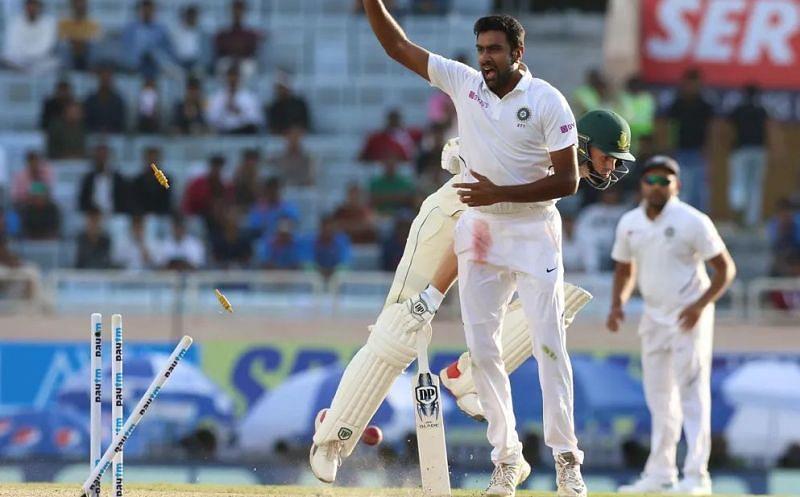रविचंद्रन अश्विन ने तीन मैचों की 6 पारियों में सबसे ज्यादा 15 विकेट लिए