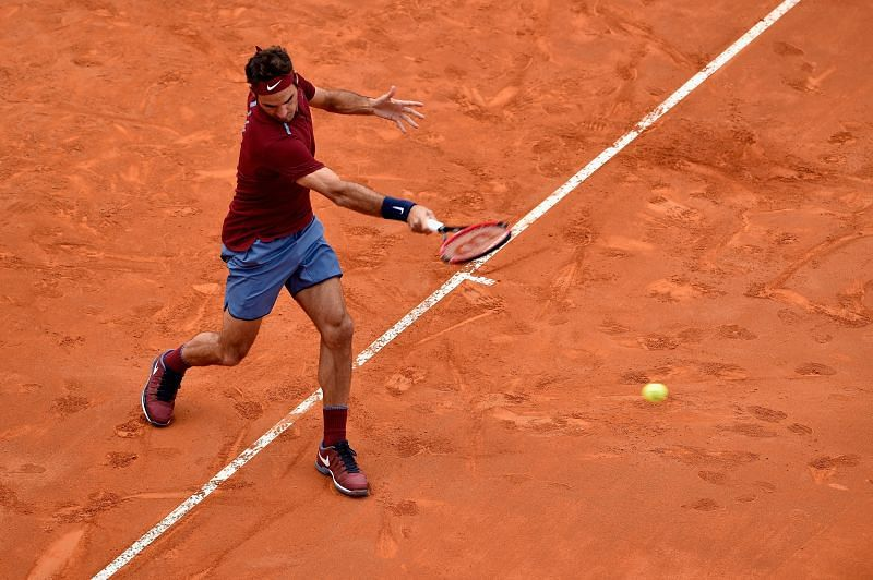 Roger Federer had a serious knee injury in 2016
