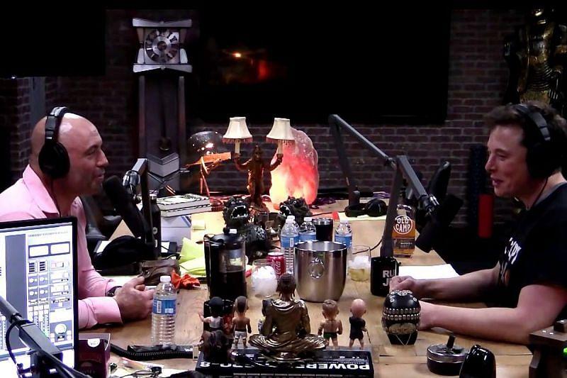 Joe Rogan hosting an episode of JRE with Elon Musk
