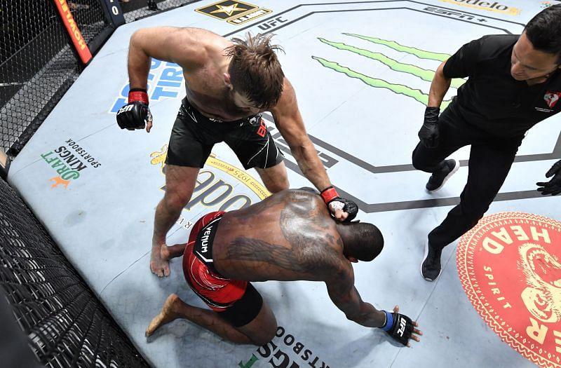 Five  best finshes from UFC Vegas 30