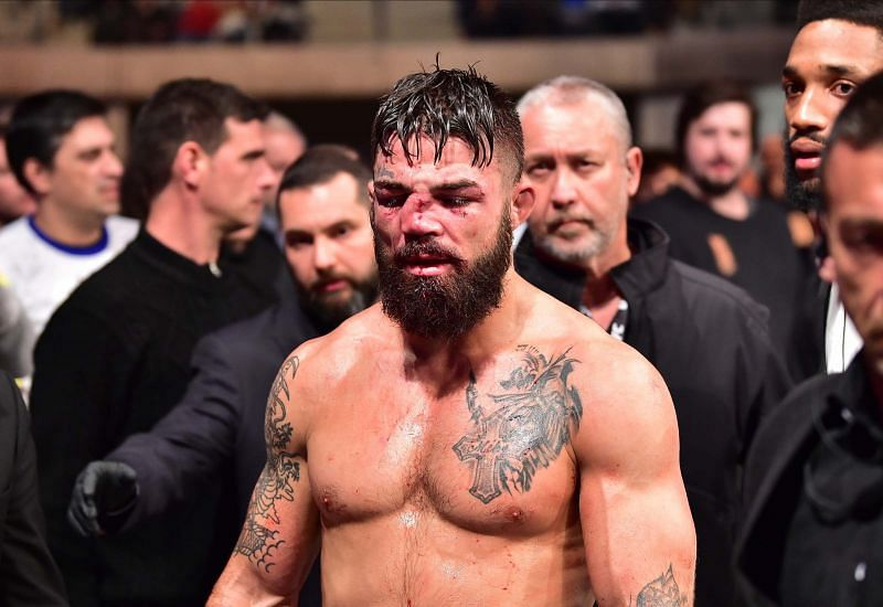 Mike Perry suffers a broken nose in loss to Vicente Luque