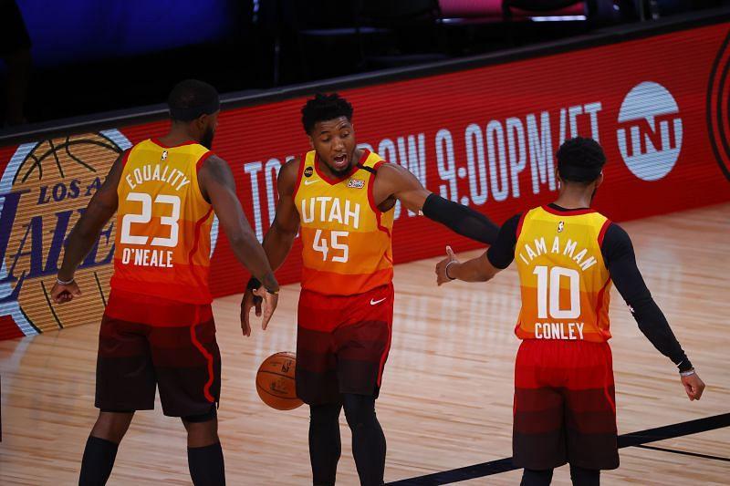 Mike Conley with his Utah Jazz teammates