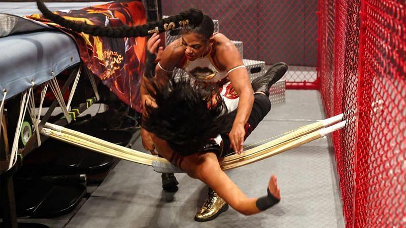 Bianca Belair vs Bayley