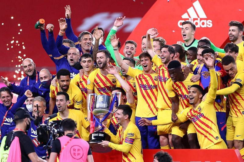 Barcelona celebrate winning the 2020/21 Copa del Rey