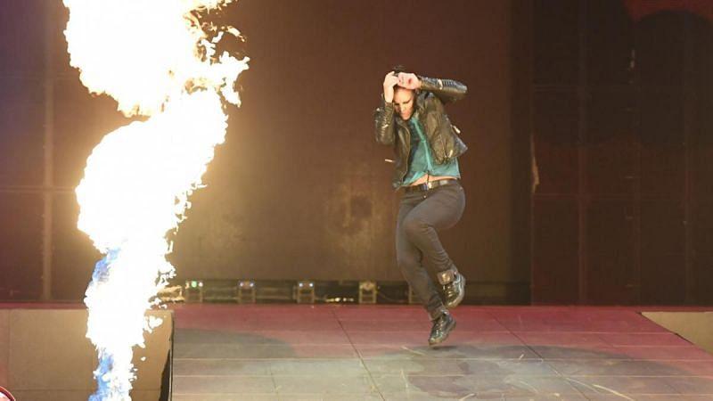 WWE रॉ (Raw) में शायना बैैजलर की हुई हालत खराब