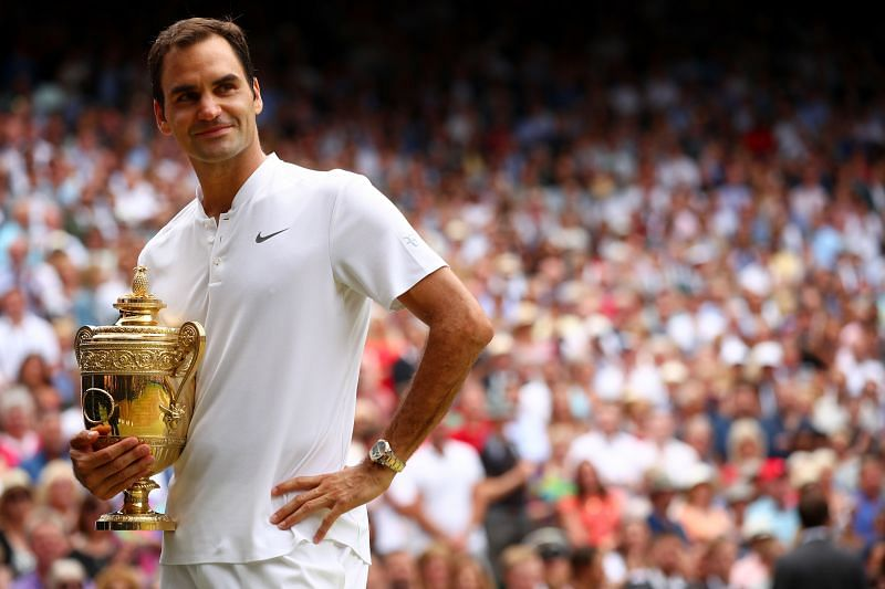 Roger Federer with the 2017 Wimbledon trophy