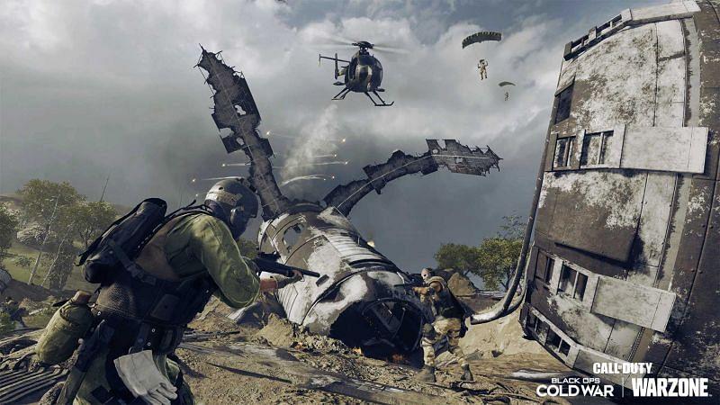 Crashed satellites in Warzone Season 4/ Image via Twitter@BattleRoyaleCoD