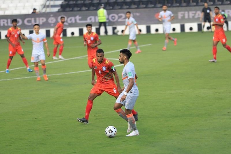 Brandon Fernandes bossed the midfield for the Indian Football Team against Bangladesh in their 2022 FIFA World Cup Qualifiers (Image Credits: Indian Football Team Twitter)