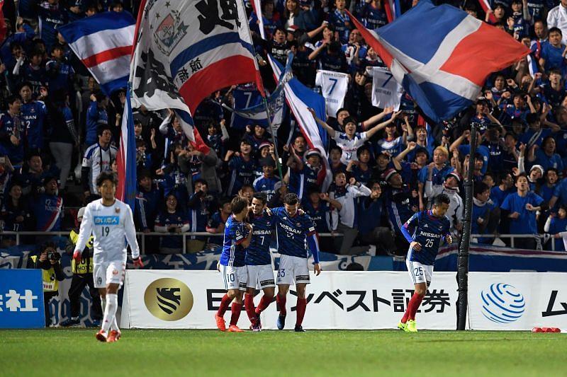 Consadole Sapporo and Yokohama F. Marinos lock horns on Sunday