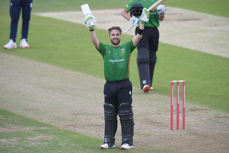Josh Inglis in action for Leicestershire