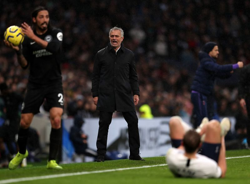 Jose Mourinho shouting instructions during an EPL fixture