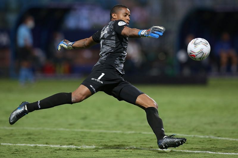 Wuilker Faríñez made eight saves vs Colombia