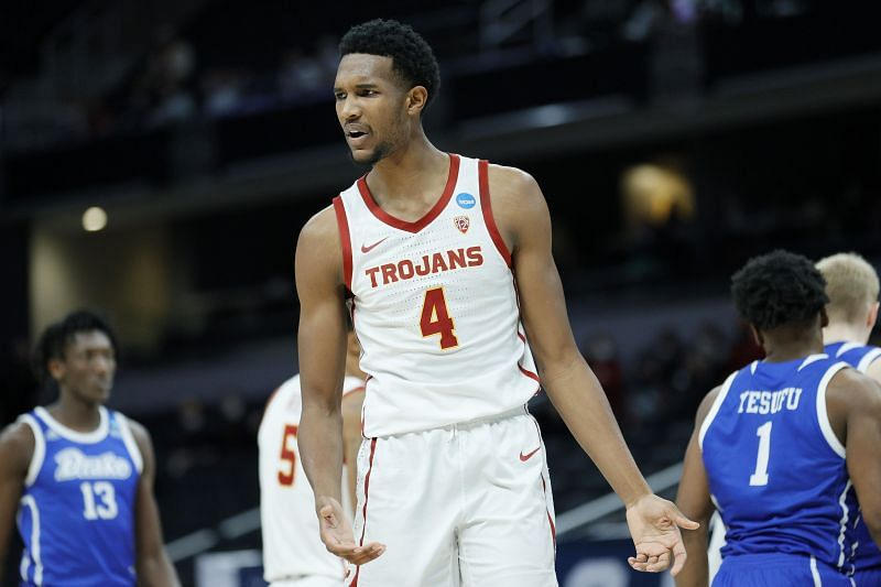 Evan Mobley #4 of the USC Trojans