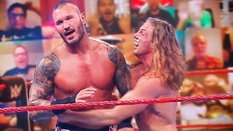 WWE ने टीम आरकेब्रो के अच्छे पलों को किया साझा