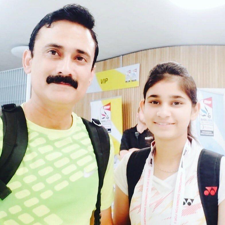Palak Kohli with Indian para badminton coach Gaurav Khanna (left)