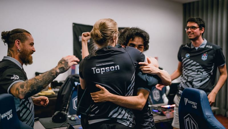 The OG Dota 2 roster celebrate their hard-earned ticket to TI 10 (image via Twitter)