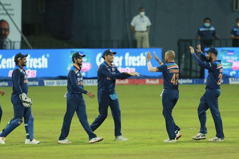 Team India celebrates a Sri Lankan wicket (Photo: Twitter)