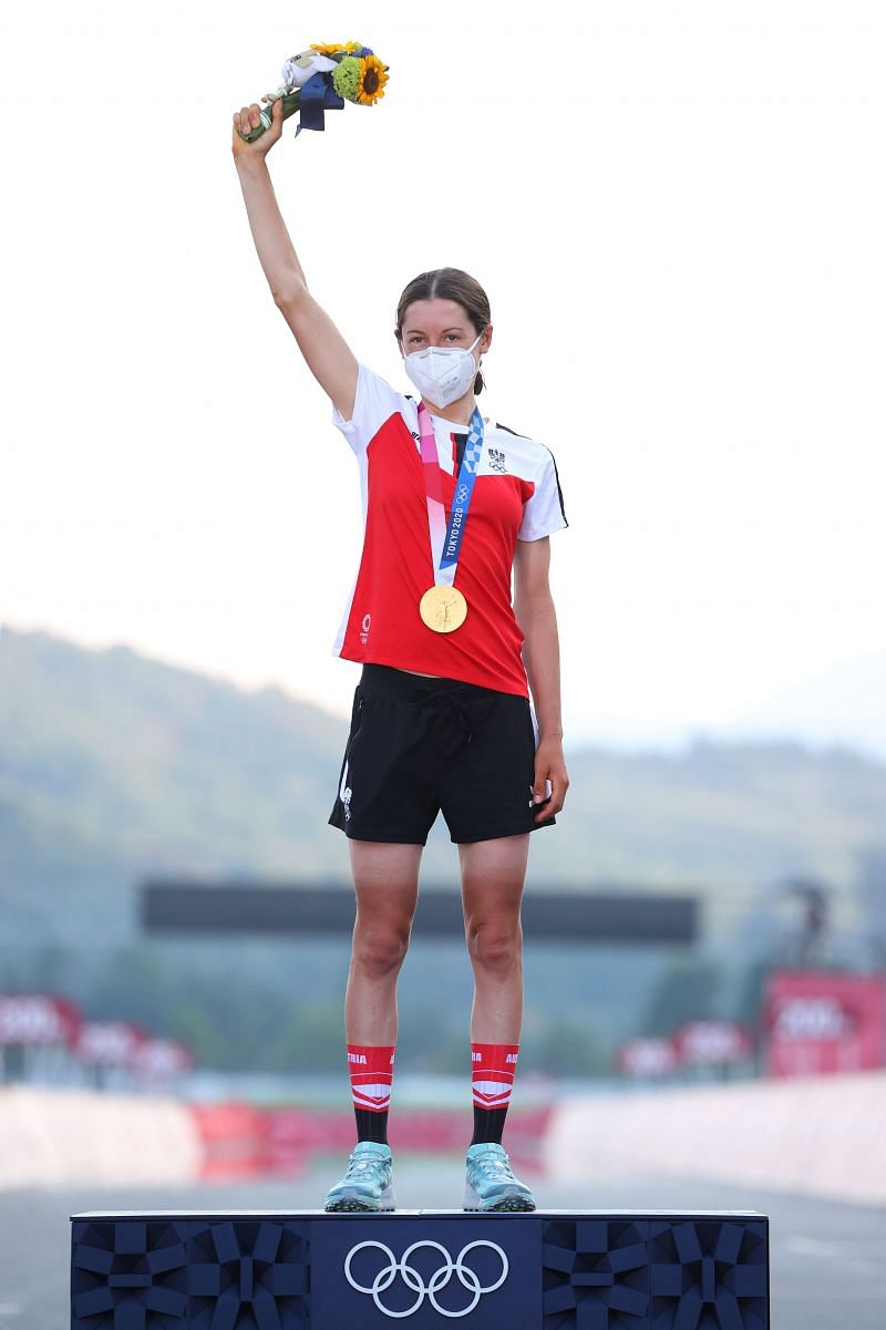 Anna Kiesenhofer of Team Austria poses with the gold medal at Tokyo Olympics 2020