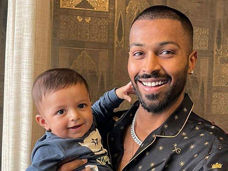 हार्दिक पांड्या अपने बेटे अगस्त्य के साथ