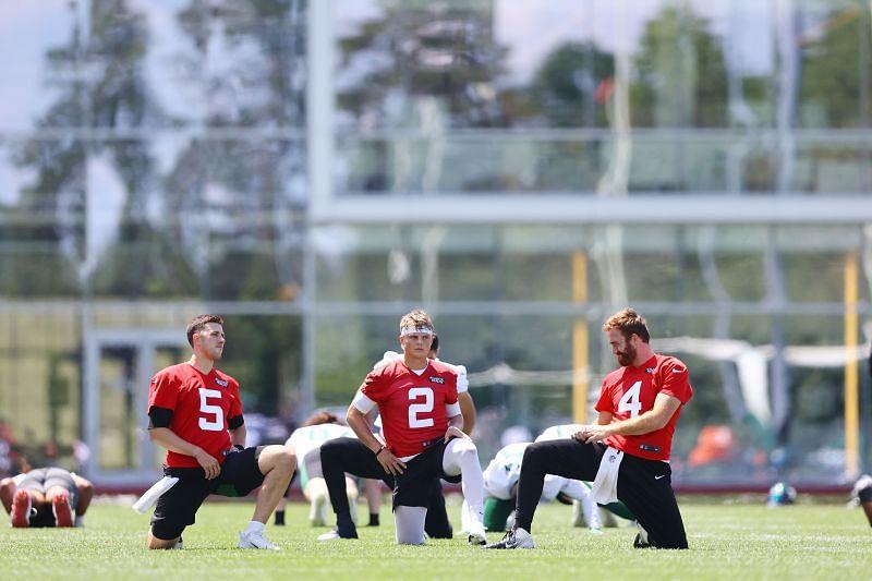 Wilson (center) will be the starter since Week 1
