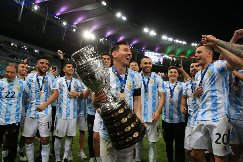 Lionel Messi holding the Copa America trophy