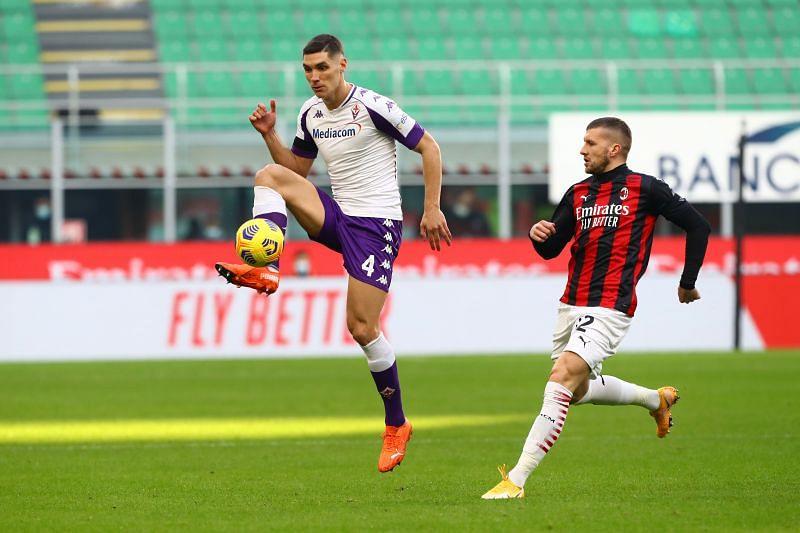 Milenkovic in action for Fiorentina
