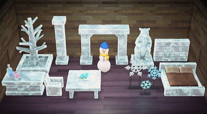 Frozen set. Image via Nooks Treasures