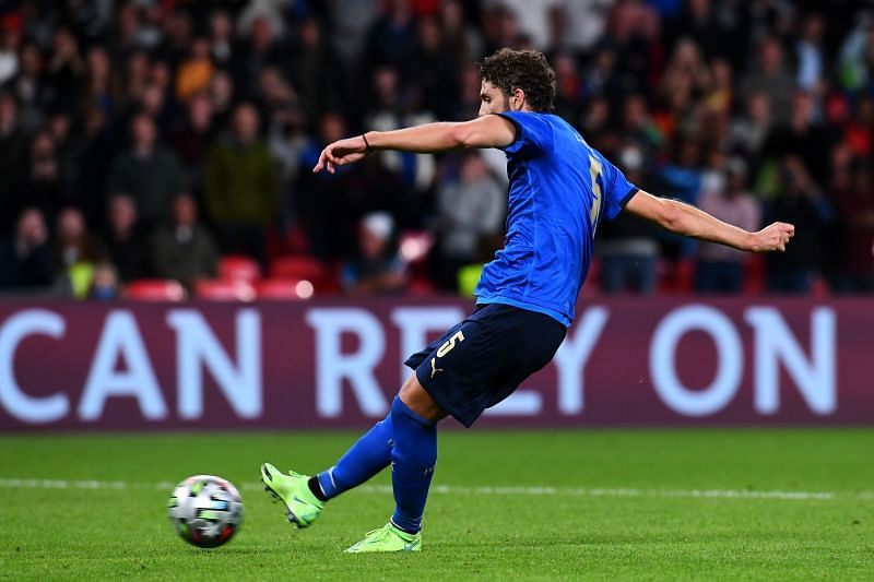 Manuel Locatelli in action for Italy