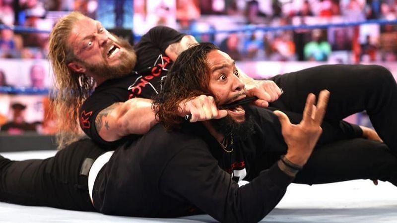 WWE SmackDown में नजर नहीं आए यूनिवर्सल चैंपियन रोमन रेंस