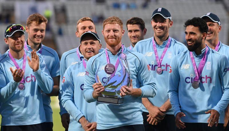 इंग्लैंड टीम सीरीज जीतने के बाद