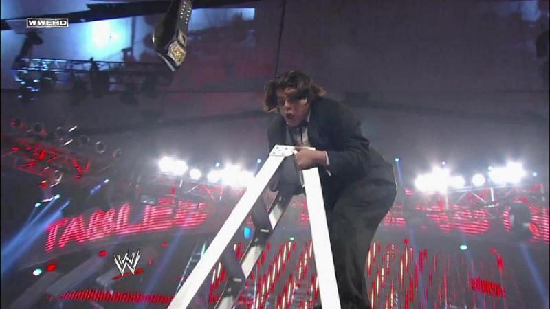 Ricardo Rodriguez atop the ladder