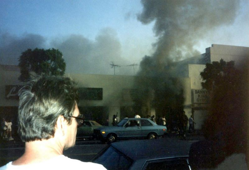 A building on fire, during the 1992 Los Angeles Riots (Image via Wikipedia)