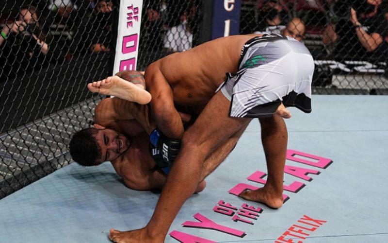 Andre Muniz vs. Ronaldo 'Jacare' Souza at UFC 262