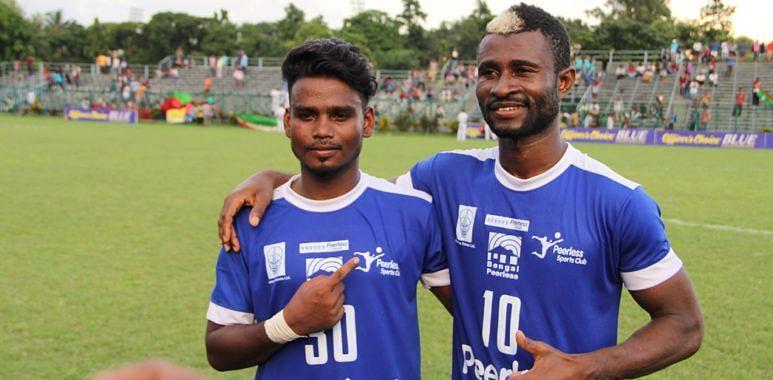 Ansumana Kromah (R) scored twice for Peerless SC against Kidderpore SC. (File Image)