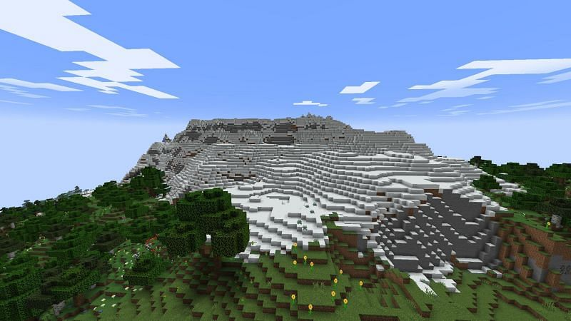 New mountain biomes are coming in the update (Image via Minecraft)