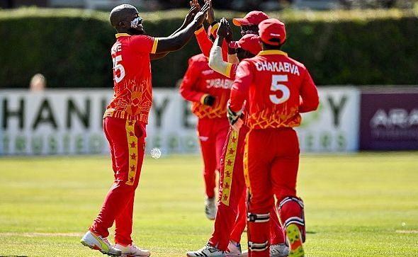 जिम्बाब्वे की टीम ने अंतिम ओवर में आयरलैंड को हरा दिया