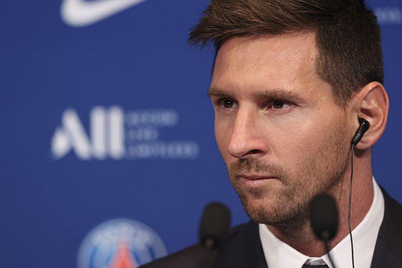 Lionel Messi - Presentation at Paris Saint-Germain