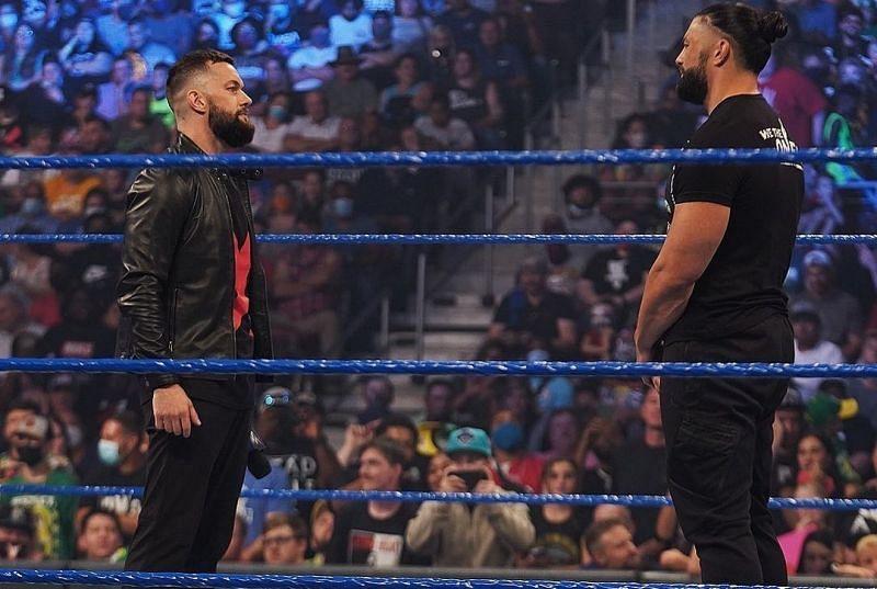 SmackDown में रोमन रेंस और फिन बैलर नजर आए