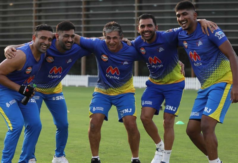 CSK players involved in a fun bonding session. Pic: chennaisuperkings.com