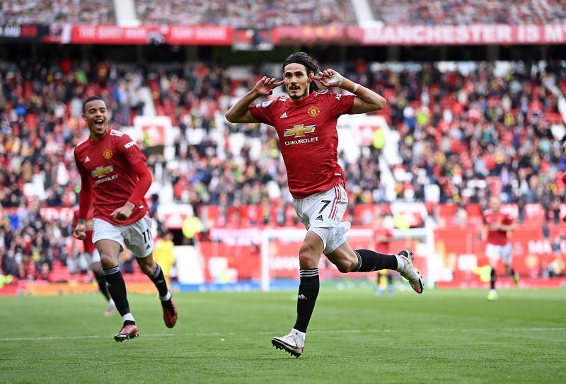 Edinson Cavani celebrates for Manchester United