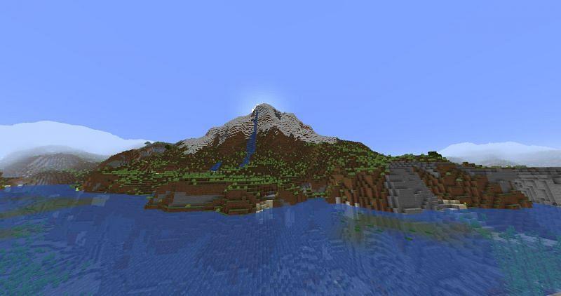 A lifelike mountain (Image via Minecraft)